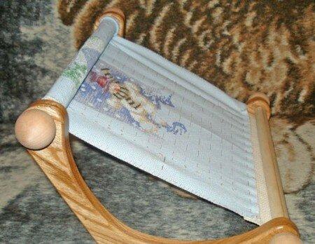 Удобное расположение во время вышивания нитками мулине.